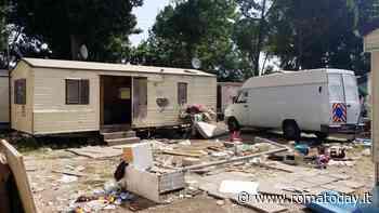 Rom, il Comune si attrezza per gli sgomberi: un milione di euro per la demolizione dei campi
