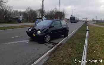 Automobilist verliest macht over stuur en knalt tegen vangrails in Assen