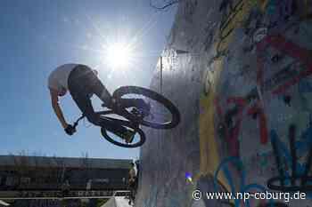 Ohne Helm: 16-Jährige stürzt mit BMX-Rad und verletzt sich schwer