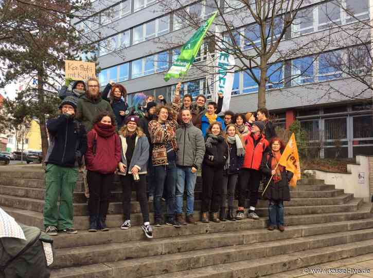 Fridays for Future-Protest in Kassel vor der Siemens-Filiale