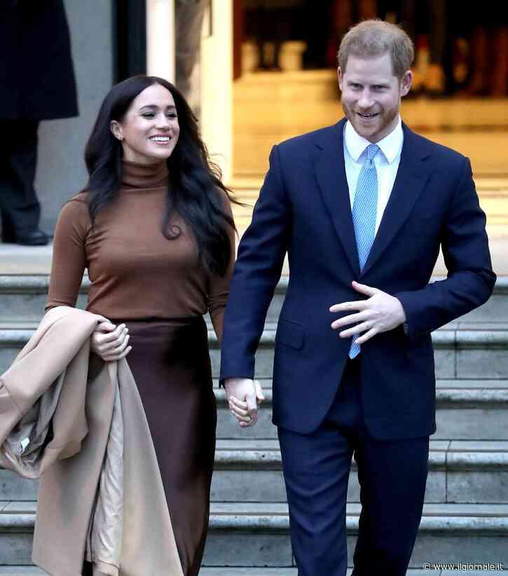 """La regina """"benedice"""" la fuga di Harry e Meghan: """"Sì, alla vostra nuova vita"""""""