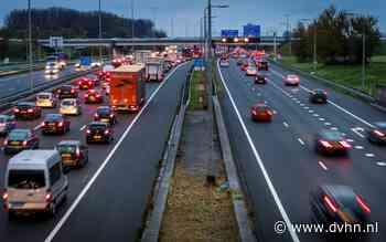 Regen en wind: Files op A28 richting Stad Groningen