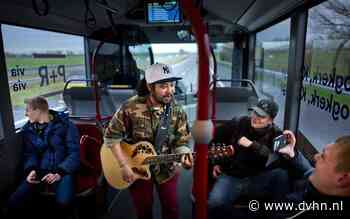Openbaar vervoer als concertpodium: Busritten in Groningen en Drenthe opgeluisterd met Groningse muzikanten
