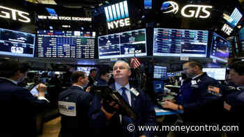 Wall Street opens flat after mixed big bank results