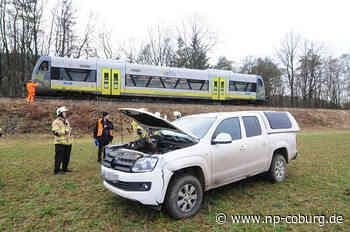 Agilis-Zug schleift Auto fast 100 Meter mit: Fahrer schwer verletzt