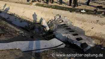 176 unschuldige Opfer: Berichte: Ukrainisches Flugzeug von zwei Raketen getroffen