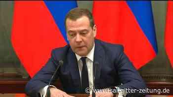 Medwedew: Russische Regierung tritt zurück