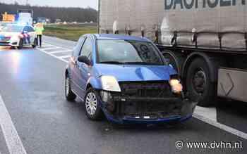 Vrachtwagen en auto botsen op N34 tussen Emmen en Odoorn