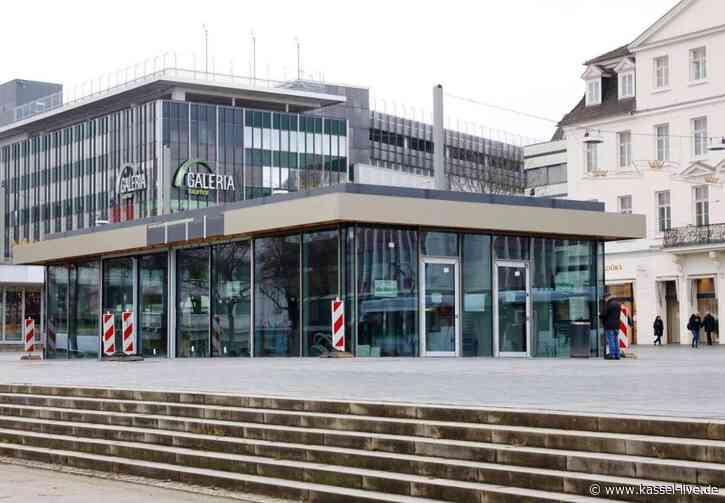 Friedrichsplatz: Glaspavillon fast fertig