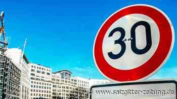 Verkehrssicherheit: Bundestag debattiert: Kommt überall Tempo 30 in Städten?