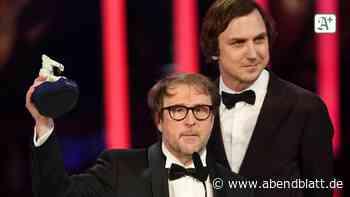 """""""25 km/h"""": Bjarne Mädel mit Bayerischem Filmpreis ausgezeichnet"""