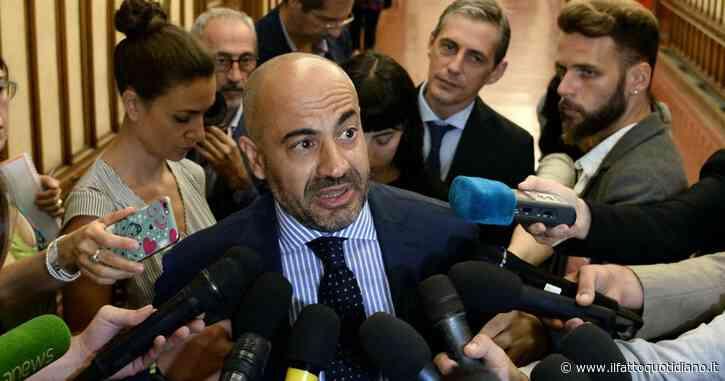 """M5s, confermata l'espulsione di Paragone. Salvini: """"Le porte della Lega sono aperte"""""""