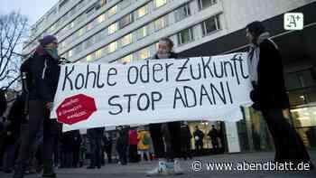Klimaschutz: Demonstranten blockieren Hamburger Siemens-Niederlassung
