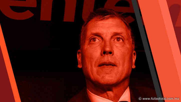 Afición pide la salida de Robert Dante Siboldi de Cruz Azul