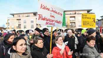 Tesla in Brandenburg: Demos für und gegen die Giga-Factory