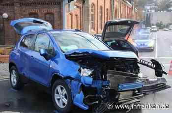 Kollision in Coburg: Zwei Verletzte bei Unfall an der Angerkreuzung