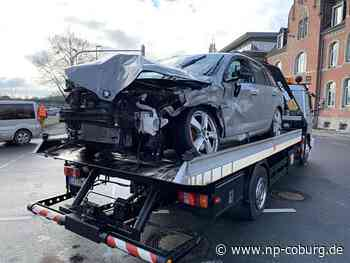 Bei Rot über die Ampel: Schwerer Frontal-Crash in Coburg