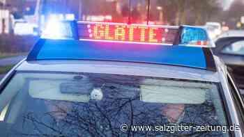 Schwerverletzte bei mehreren Glätteunfällen in Niedersachsen