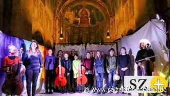 Theaterperformance zu Cellomusik in St. Lorenz Schöningen