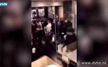 Nieuwe beelden van onrust in Herestraat Groningen: tientallen jongeren vluchten gillend McDonalds in