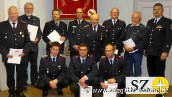 Freiwillige Feuerwehr Engerode ehrt langjährige Mitglieder
