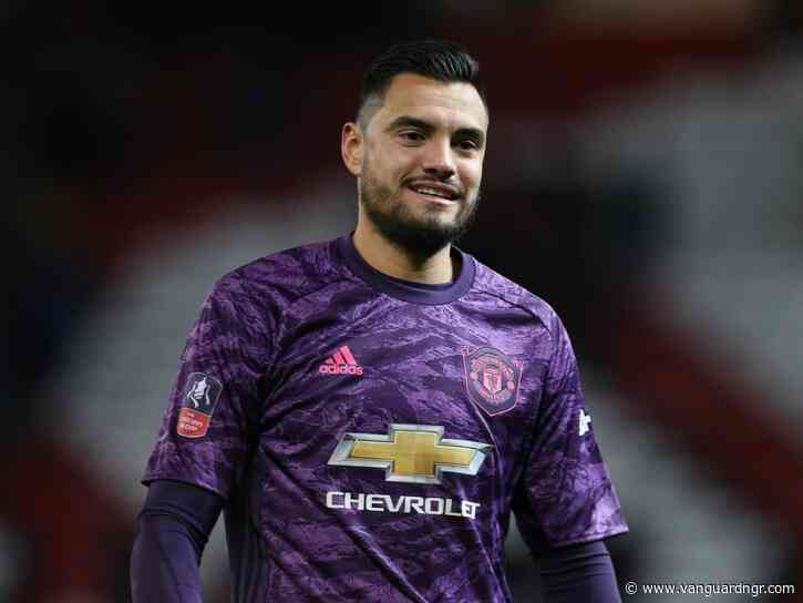Man Utd's keeper Romero escapes unhurt from car crash