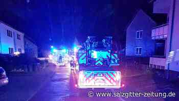 Feuerwehr rettet Mann aus verqualmter Wohnung