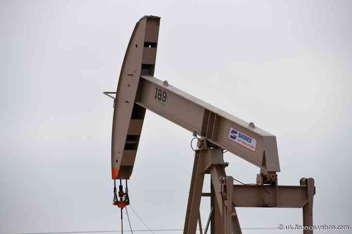 Oil prices fall nearly 1% as supply concerns ease