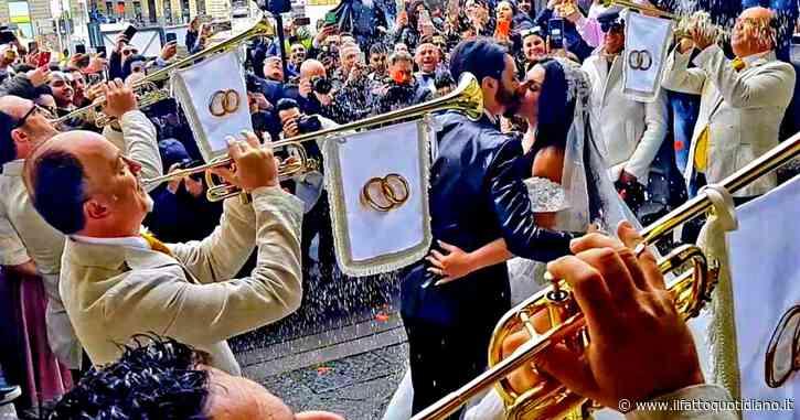 Tony Colombo, licenziati i cinque ispettori trombettisti che suonarono alle nozze trash