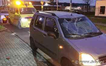 Fietser belandt op motorkap na aanrijding met auto in Hoogeveen