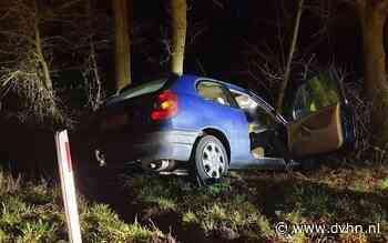 Auto raakt in een slip en eindigt in de sloot langs de A28 bij Beilen