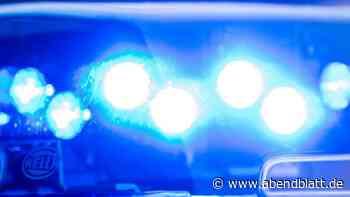 Unfälle: Auto kracht in Baumarkt: 76-Jährige unter Trümmern begraben