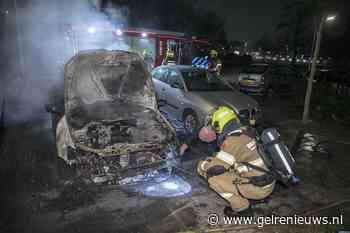 Weer een autobrand in Arnhem; politie doet onderzoek
