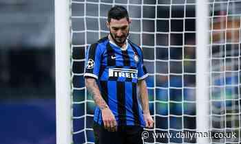 Matteo Politano 'agrees £21m Napoli move with Fernando Llorente heading to Inter Milan on loan'