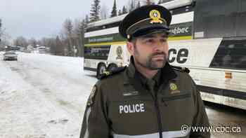 Search resumes for missing snowmobile tourists on Lac St-Jean
