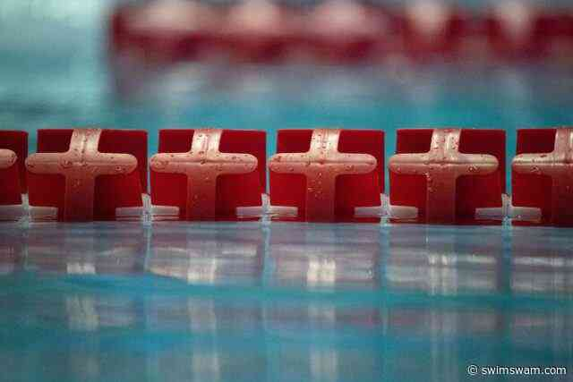 Two Chicago-Area HS Swimmers Robbed, One Shot While Returning From Meet