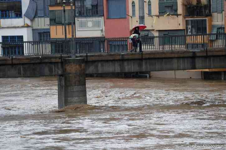 Spain calls emergency meeting as Storm Gloria death toll hits 13