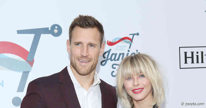 Brooks Laich Is 'Still Hoping Things Will Work Out' with Julianne Hough, Source Says