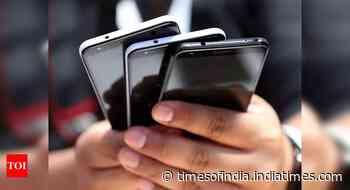 Mobile exports buck trend, grow 3x in Apr-Nov