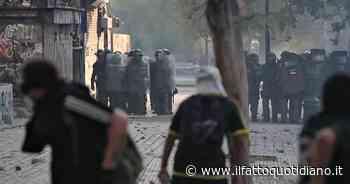 Cile, manifestanti ancora in piazza contro il governo: scontri con la polizia. Usati cannoni ad acqua