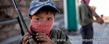 Des enfants mexicains s'entraînent à tirer sur les narcos
