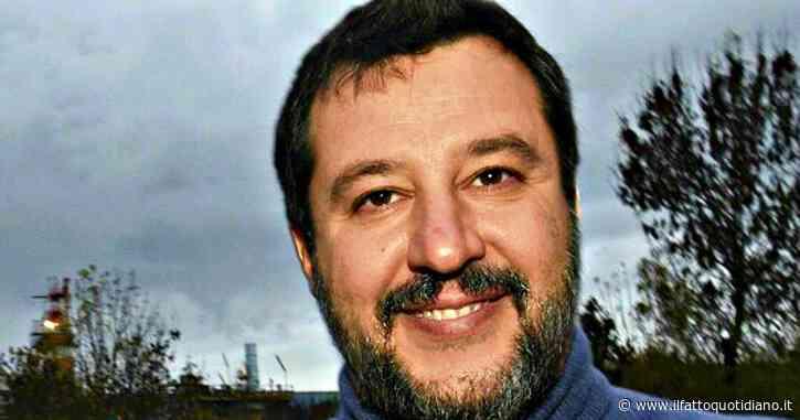 Matteo Salvini, sindacalista si fa selfie con lui mentre è in malattia: licenziato dall'azienda