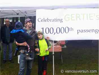 Gabriola bus service celebrates 100,000th passenger