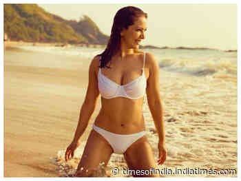 Kim Sharma's beach pics in bikini