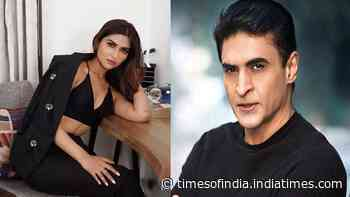 'Notebook' actress Pranutan Bahl keen to work with father Mohnish Bahl