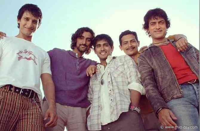 Rang De Basanti: Sharman Joshi gets nostalgic as the film completes 14 glorious years
