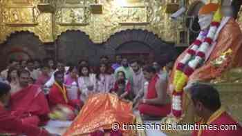 Shilpa Shetty Kundra offers prayers at Shirdi Sai Baba Temple with hubby Raj Kundra and son Viaan