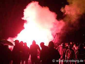 Steine auf die Polizei: Indymedia-Demo in Leipzig eskaliert