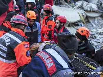 Retter kämpfen nach Erdbeben in Türkei gegen Zeit und Kälte