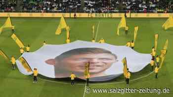 Mit Banner und Choreo: Fans des FC Nantes erinnern an gestorbenen Sala